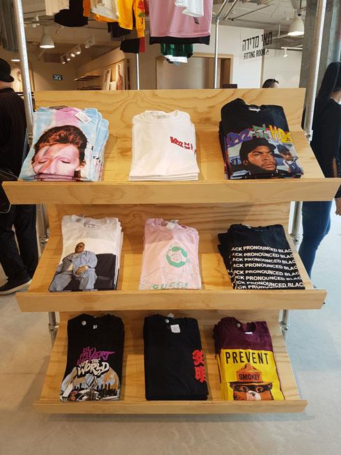 בחנות החדשה: חולצות טי עם הדפסים של סרטים ומוזיקאים