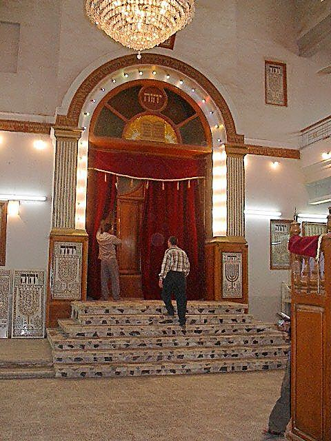 הרב, השוחט המנהיג הקהילתי. אימד לוי בבגדד