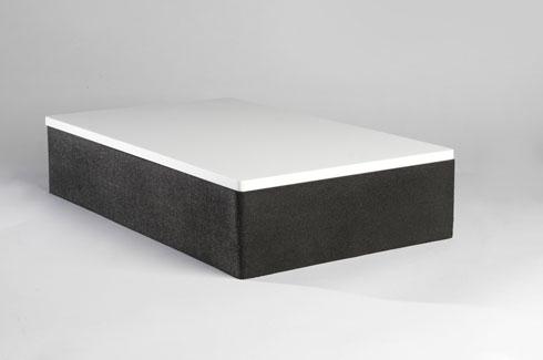 בתוך הקופסה (צילום: אלי פוזנר למוזיאון ישראל)