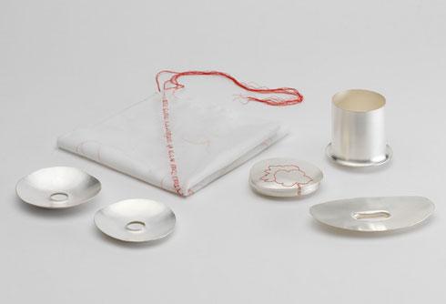 כלים שיצרה שרי סרולוביץ' (צילום: אלי פוזנר למוזיאון ישראל)