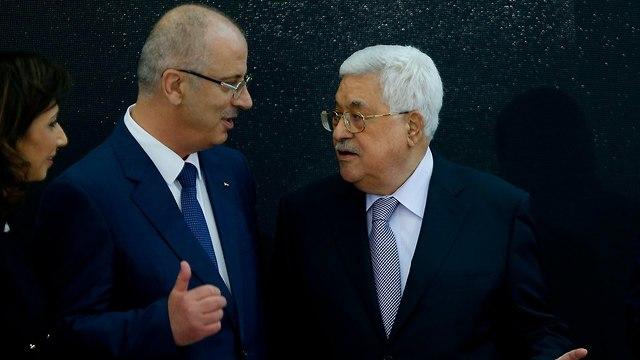 """ראש הממשלה הפלסטיני בירך את """"השהידים"""": """"מספידים את הצדיקים"""" 84366660100084640360no"""