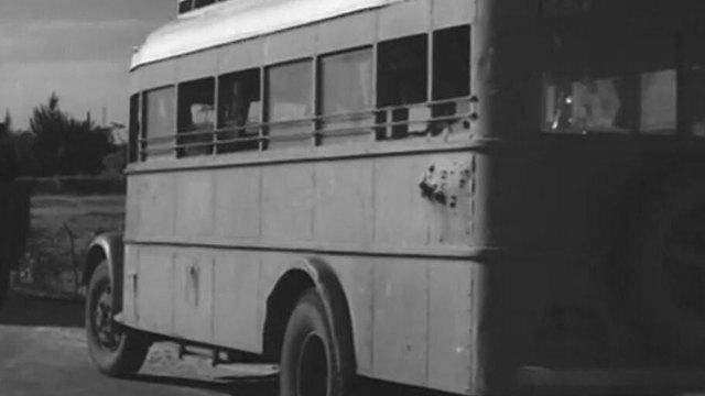 האוטובוס לאחר רצח הנוסעים מנתניה (באדיבות מוזיאון לתולדות העיר נתניה)