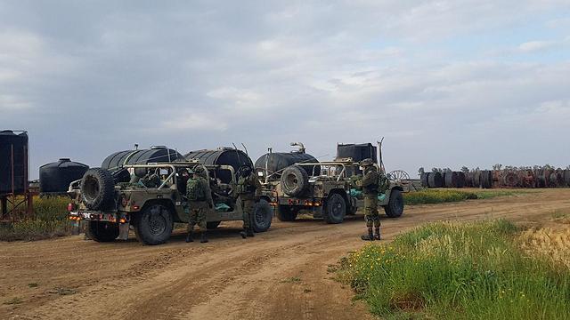 IDF forces near the Gaza border (Photo: Barel Efraim)
