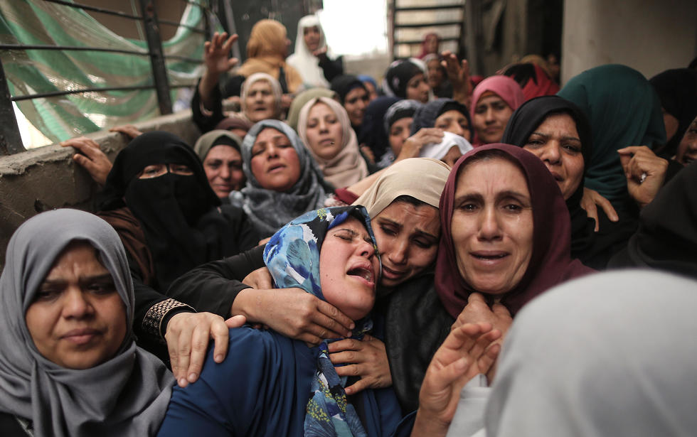 Funeral of one of the Palestinians killed on Friday (Photo: AFP)