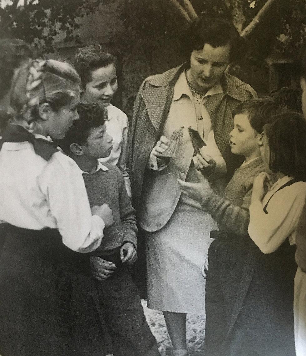 לנה קיכלר וילדי בית היתומים (מתוך ספר