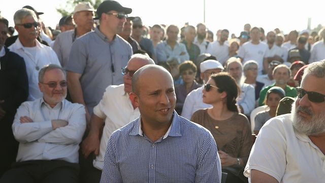 Minister Naftali Bennett at the funeral (Photo: Ohad Zwigenberg)