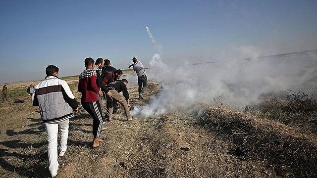 Clashes on the Gaza border on Sunday (Photo: EPA)