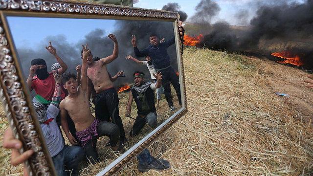 Palestinian protesters near the Gaza-Israel border