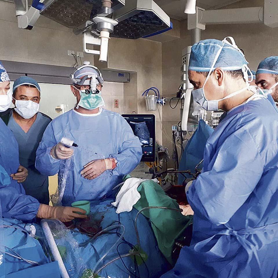 """Первая операция по замораживанию метастаз печени. Фото: пресс-служба больницы """"Зив"""""""