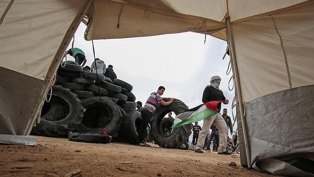 Сами себе враги. Фото: AFP