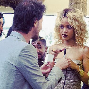 ציירי לי ביונסה. ריהאנה
