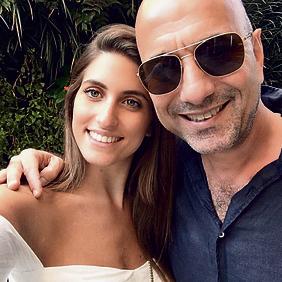 עם אביה, הפרסומאי אילון זרמון