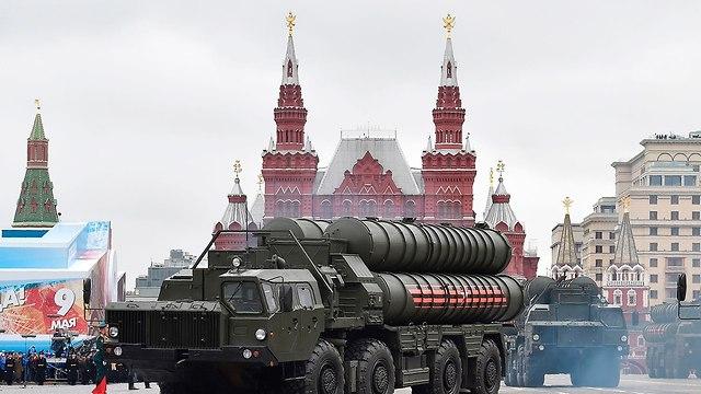 C-400 на военном параде в Москве. Фото: AFP