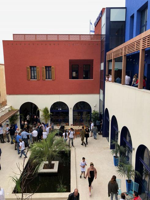 החצר הפנימית הבנויה במתכונת הריאד המרוקאי  (צילום: מיכל אשכולות)