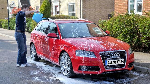 שטיפת רכב ()
