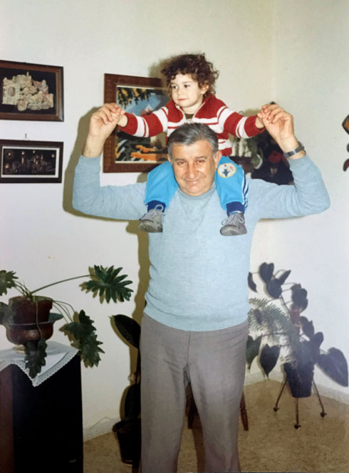 """""""גיליתי איזה נער אמיץ היה סבא שלי"""". הקליקו על התמונה (צילום: אלבום פרטי)"""