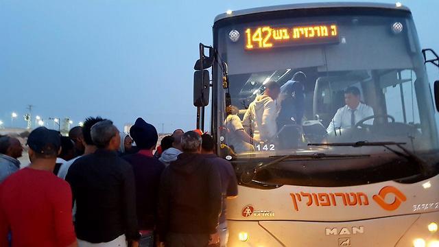 58 asylum seekers were freed from the Saharonim facility earlier Wednesday (Photo: Roee Idan)