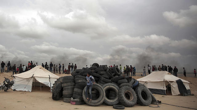 A massive burning of tires is planned (Photo: AP)