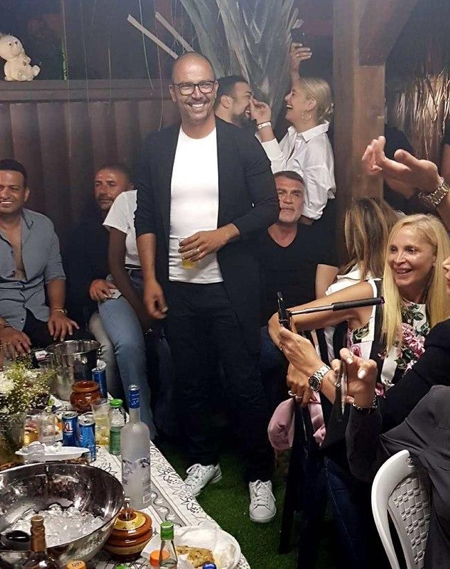 איזו מסיבה! חיים רביבו והאורחים (צילום: אמיר מאירי)