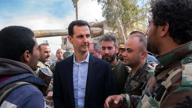 Assad visits Syrian troops in eastern Ghouta  (Photo: AFP)