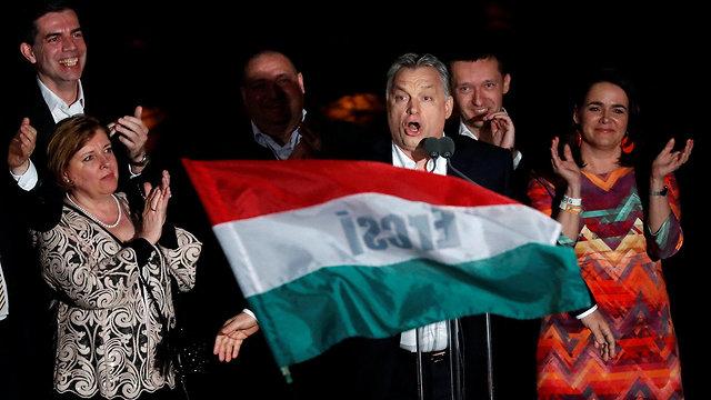 ראש ממשלת הונגריה ויקטור אורבן ניצחון בחירות כלליות בודפשט (צילום: רויטרס)