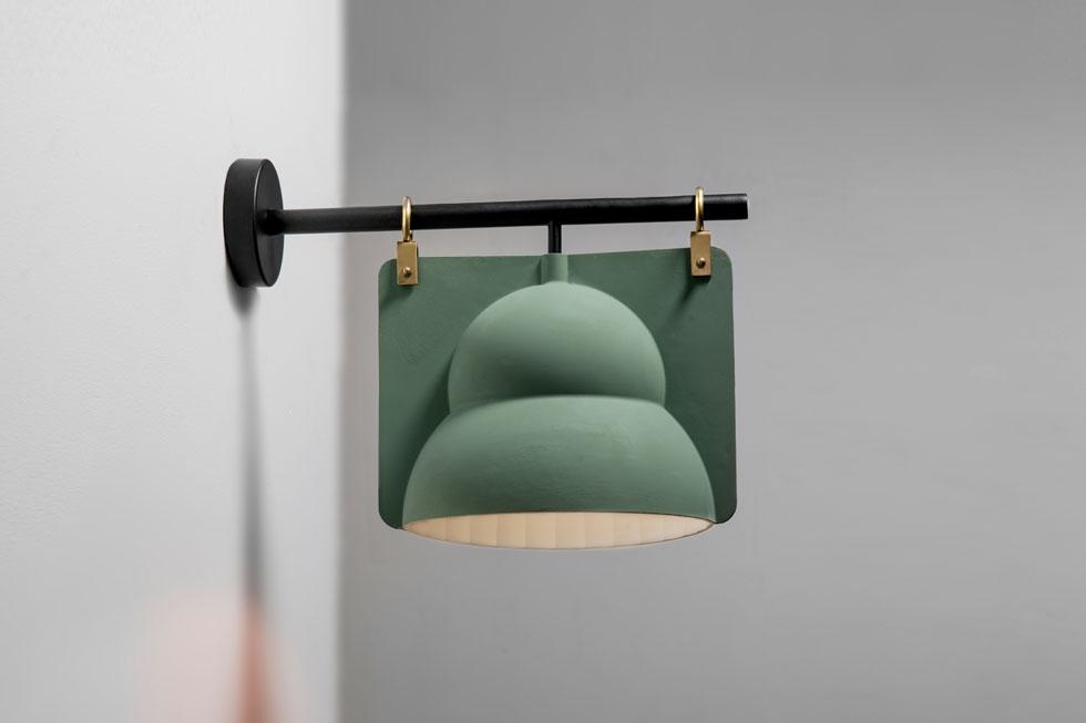 בר דוידוביץ': Street Lamp. מנורת רחוב בבית  (צילום: כפיר זיו)