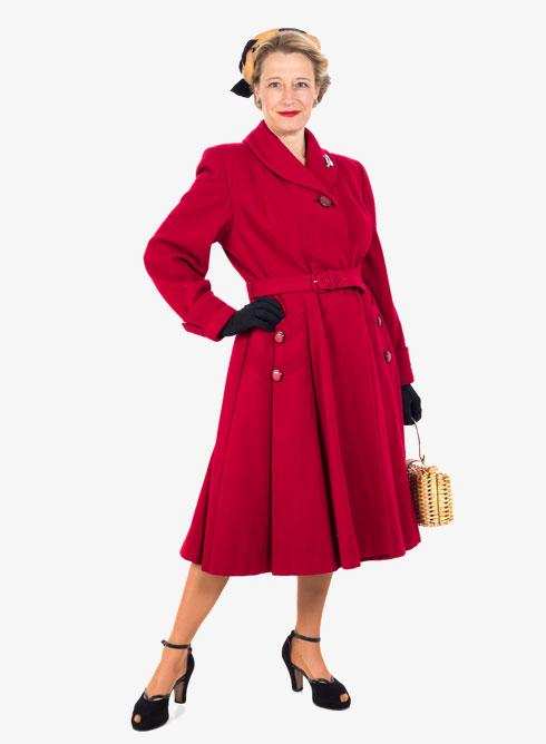 """""""נדהמתי מהניגוד הנורא בין אופנה מצד אחד ופאשיזם קיצוני מצד שני, בעיצומו של רצח עם"""". אופנת שנות ה-40 (צילום: History Wardrobe)"""