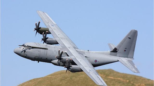 בריטניה C-130 מטס יום ה עצמאות מטוס (קרדיט: דובר צה