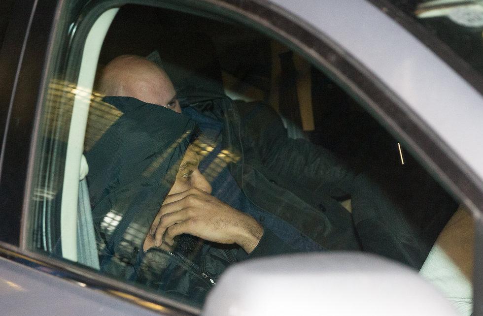 גלן רייס ג'וניור ביציאה מתחנת המשטרה (צילום: עוז מועלם)