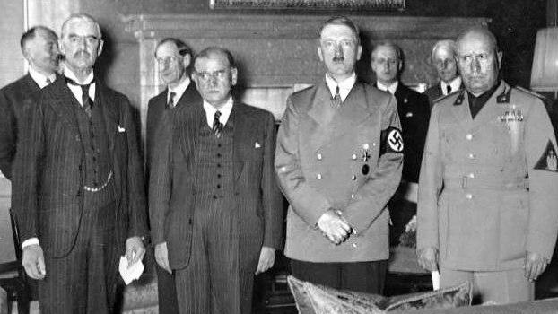 ועידת מינכן 1938 היטלר מוסליני דאלאדיה צ'מברליין  ()