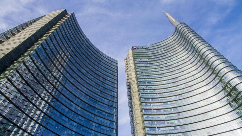 המגדל הגבוה באיטליה הוא ''יוניקרדיט'' שחולש על העיר ממרום האנטנה שלו, ומשמש כמרכז כוח ארצי (צילום: Naeblys/Shutterstock)