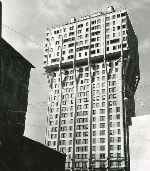 אורח קבוע ברשימות ''המבנה המכוער בעולם''. טורה ולסקה (צילום: Paolo Monti, cc)