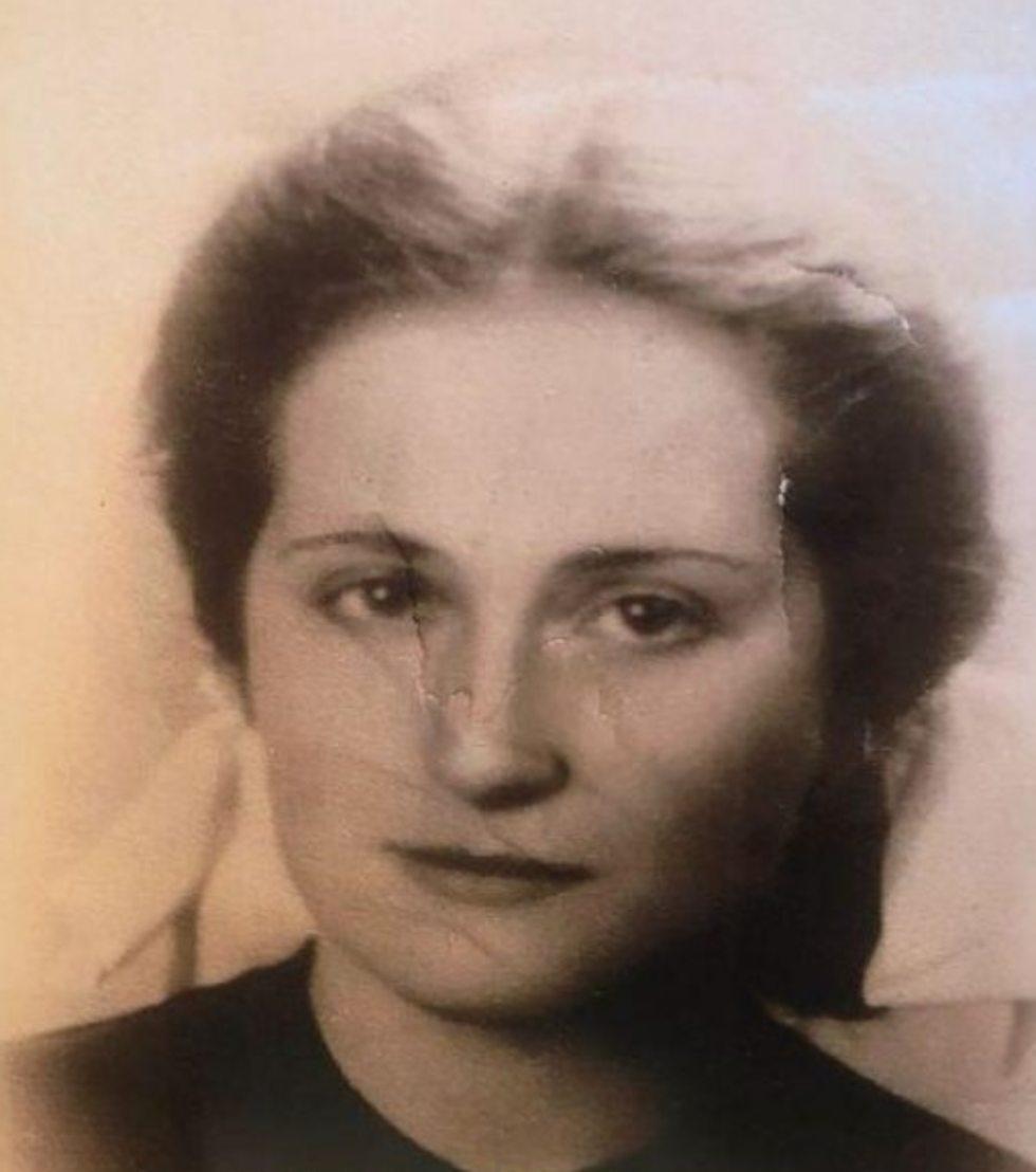 מרים רוזנבלט ()