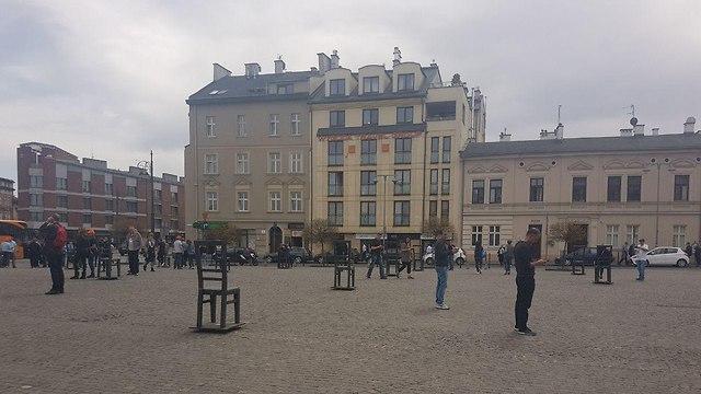 כיכר לוחמי הגטו בקרקוב (צילום: רון נוטקין)