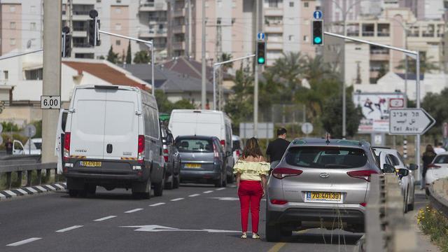 צפירה יום ה שואה כביש נהגים עצירה מכוניות כביש ה חוף (צילום: עידו ארז)