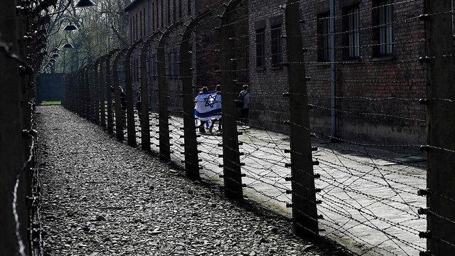 מצעד החיים 2018 ב פולין אושוויץ בירקנאו צעדה יום השואה שואה (צילום: AFP)