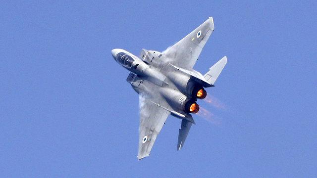 Les avions de chasse de l'armée de l'air s'entraînent pour le survol (Photo: AFP)
