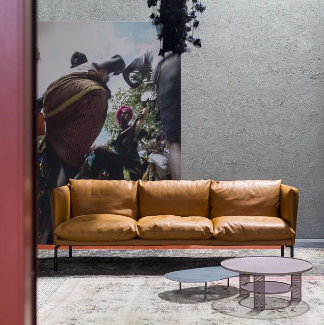 ספה של פטריסיה אורקיולה ל''מורוסו'', שתוצג ביריד הרהיטים. החברה תציג גם שלל תערוכות במרכז העיר (צילום: Alessandro Paderni)