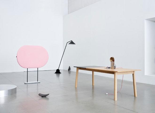 מתוך ''נוכחות נורווגית'', תערוכה המוקדשת לערכי העיצוב הנורווגי (צילום: Lasse Fløde)