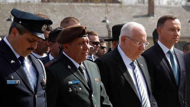 ראובן ריבלין עם נשיא פולין ב אושוויץ יום השואה מצעד החיים (צילום: רויטרס)