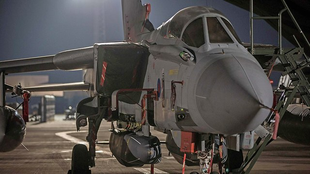 מטוס קרב בריטי בבסיס בקפריסין (צילום: AFP)