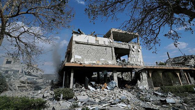 Руины научно-исследовательского центра в Дамаске. Фото: АР