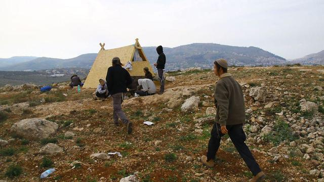 The illegal outpost (Photo: Shlomo Melet)