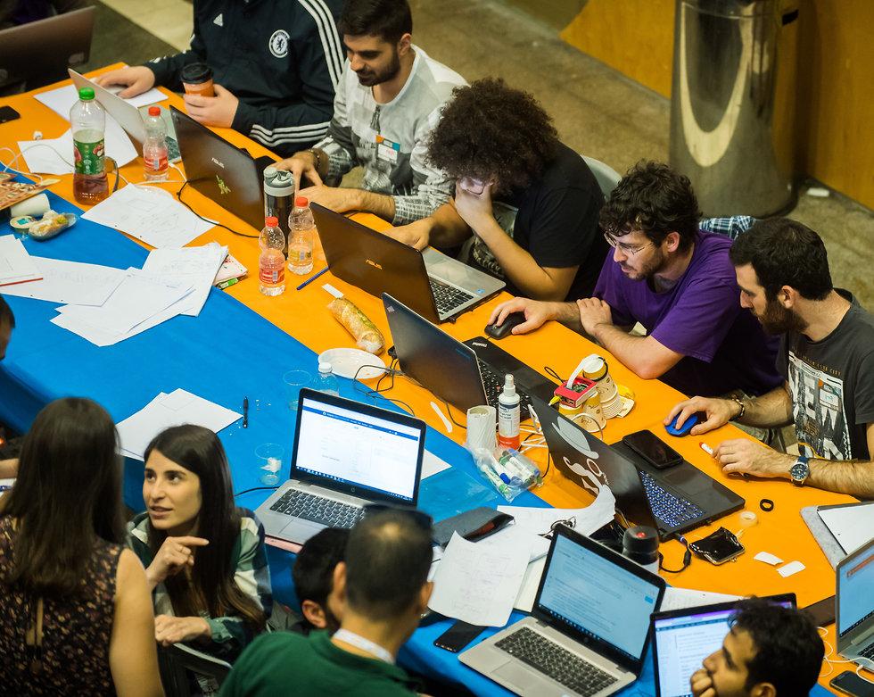 צוותי HackBGU  בפעולה באוניברסיטת בן גוריון (צילום: דני מכליס, אוניברסיטת בן-גוריון בנגב)