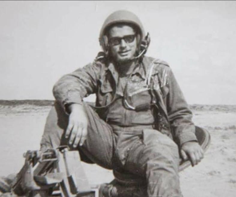 יצחק דרקסלר במהלך השירות הצבאי ()