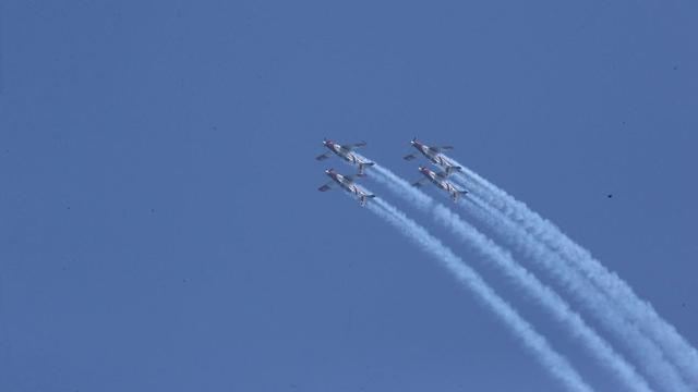 Тренировочные полеты праздничной эскадрильи. Фото: Моти Кимхи