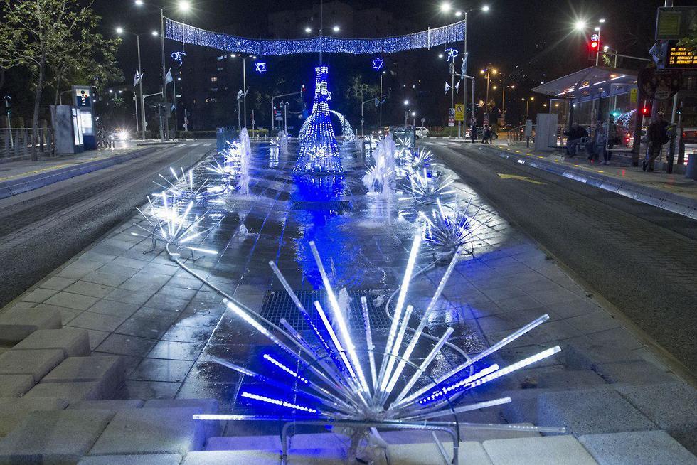 מבני התאורה בחיפה ליום העצמאות (צילום: עידו ארז)