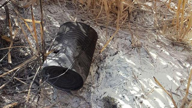 טרור עפיפונים שריפה שדה חיטה  ()