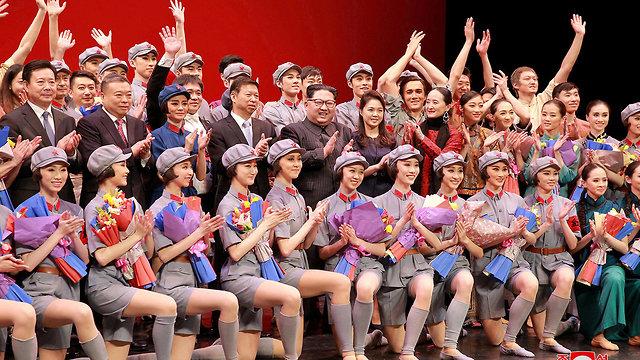 קים ג'ונג און מופע בלט סיני צפון קוריאה יום הולדת קים איל סונג (צילום: רויטרס)