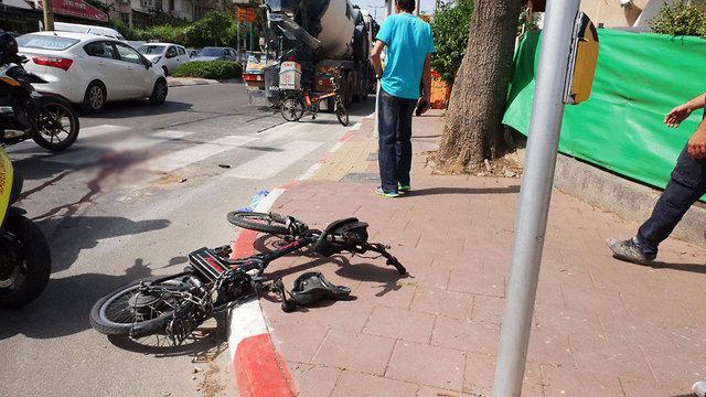 תאונת דרכים בתל אביב (צילום: תיעוד מבצעי מד